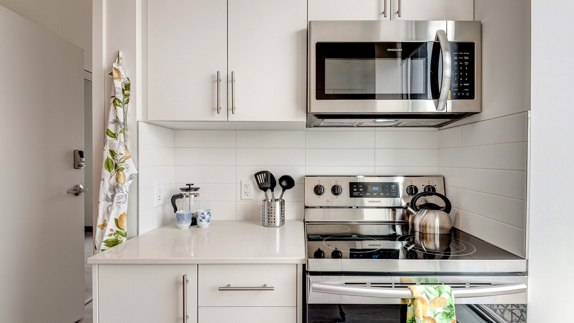 The ultimate guide to rent your first apartment